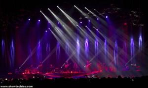 Luci traccianti sul palco