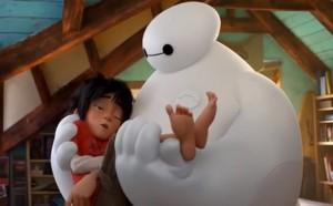 Baymax con Hiro fra le braccia