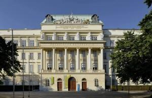 Facciata del Politecnico di Vienna