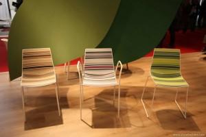 Sedie con colori diversi