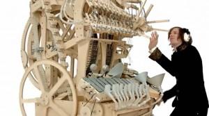 Martin Molin suona marble machine