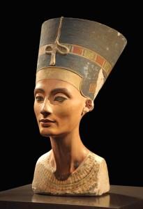 Statua di Nefertiti al Neues Museum di Berlino