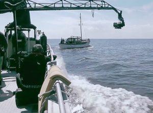 Camera IMAX con rig a bordo nave