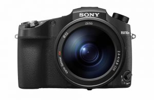 Sony RX10 IV vista frontale