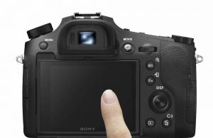 Sony RX10 IV touchscreen