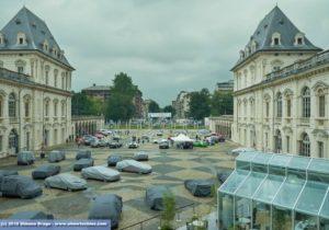 Vista cortile Castello del Valentino Torino con car parade
