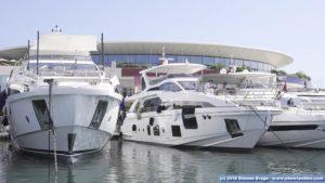 Azimut Grande in porto a Cannes