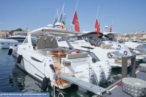 Banchina Azimut a Cannes