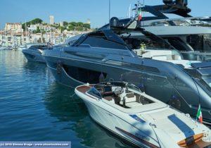Ferretti Riva porto Cannes