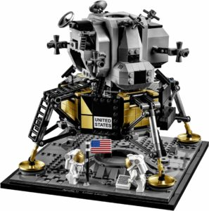 Apollo 11 LEGO con due astronauti