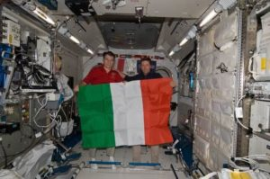 La bandiera italiana a bordo dell'ISS