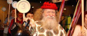 Larry Shaw in processione nel giorno del Pi Greco
