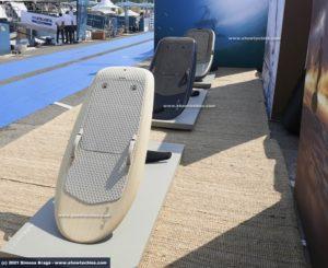 Tavole da surf con hydrofoil