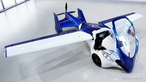 AeroMobil in configurazione aereo