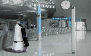 LG robot Troika in aeroporto