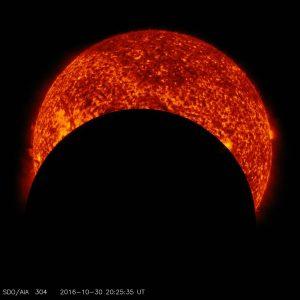 Transito luna durante eclissi