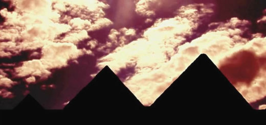 Altopiano di Giza con le tre piramidi