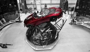 Tesla Roadster rosso ciliegia
