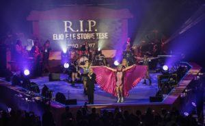 Elio e le Storie Tese sul palco-bara a Milano
