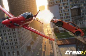 Scena The Crew 2 con aereo e macchina