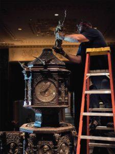 Orologio Waldorf-Astoria da 2 tonnellate