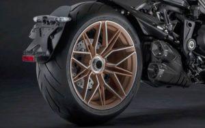 Ducati Diavel 1260 cerchio e pneumatico posteriore