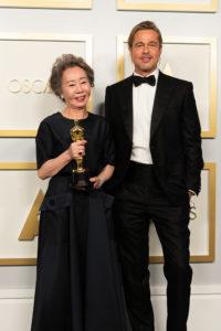 Yuh Jung Youn e Brad Pitt