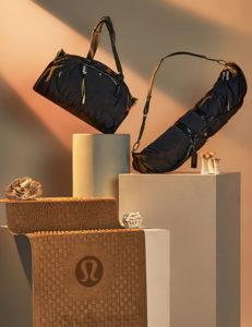 lululemon tappetino da yoga intrecciato, borsa e borsone capsule collection Mylo